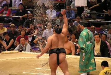 Tokyo: 2013 Grand Sumo Tournament - The Wanderlust Project